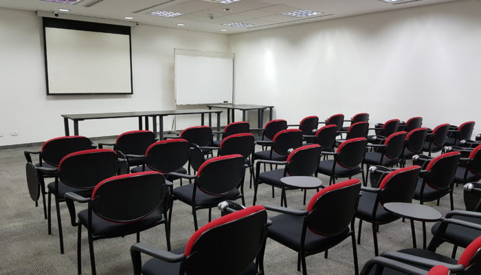 Large auditorium in Abaco's building. Great for conducting market research with large audiences in Brazil- to screen test commercials, movie trailers, etc.
